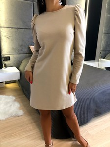 Sukienka ModnaKiecka.pl z długim rękawem z okrągłym dekoltem mini