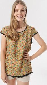 Żółta bluzka born2be w stylu casual z okrągłym dekoltem