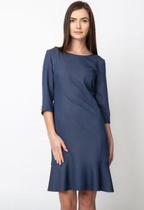 Niebieska sukienka QUIOSQUE z długim rękawem z okrągłym dekoltem