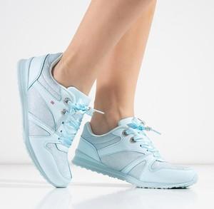 Niebieskie buty sportowe Royalfashion.pl z płaską podeszwą