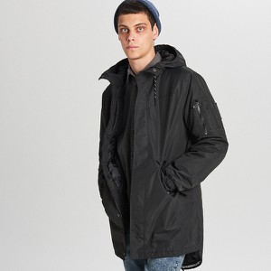 Czarny płaszcz męski Cropp
