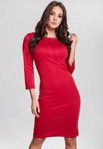 Czerwona sukienka Renee z okrągłym dekoltem dopasowana