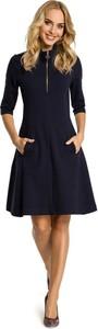 Granatowa sukienka MOE z golfem w stylu casual