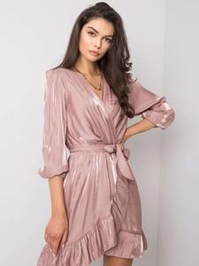 Różowa sukienka Sheandher.pl w stylu casual mini z dekoltem w kształcie litery v