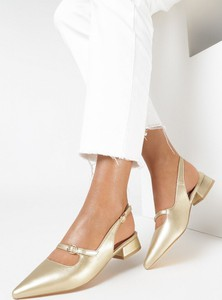 Złote sandały born2be ze skóry