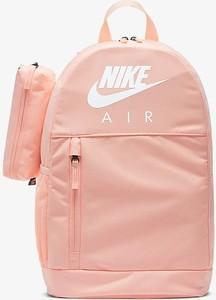 Różowy plecak Nike