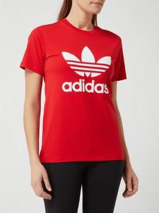 Czerwony t-shirt Adidas Originals z krótkim rękawem z okrągłym dekoltem w sportowym stylu