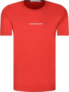 T-shirt Calvin Klein w młodzieżowym stylu
