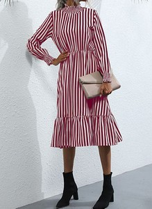 Sukienka Cikelly w stylu casual z długim rękawem midi