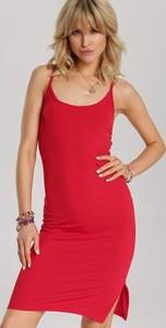 Czerwona sukienka Renee w stylu casual mini z okrągłym dekoltem