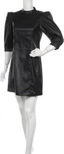 Czarna sukienka Only ze skóry mini prosta