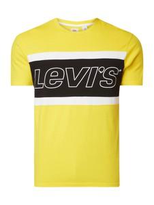 Żółty t-shirt Levis z nadrukiem w młodzieżowym stylu z krótkim rękawem
