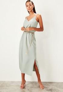 Sukienka Trendyol rozkloszowana w stylu casual na ramiączkach