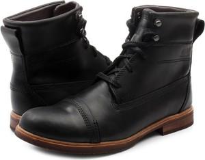 Czarne buty zimowe Caterpillar w stylu casual sznurowane
