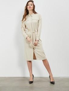 Sukienka Moodo z długim rękawem midi koszulowa