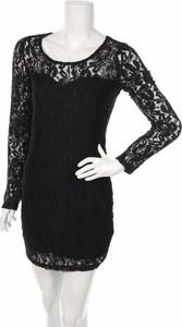 Czarna sukienka Material Girl