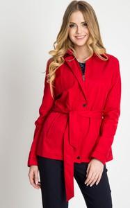 Czerwona kurtka QUIOSQUE w stylu casual