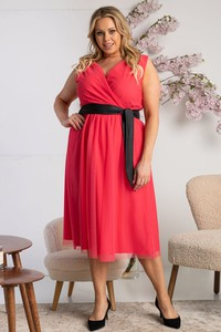 Czerwona sukienka KARKO midi z krótkim rękawem z dekoltem w kształcie litery v