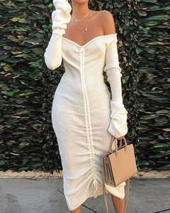 Sukienka Kendallme z odkrytymi ramionami z długim rękawem midi