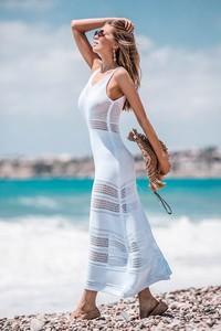 Sukienka Fobya z dekoltem w kształcie litery v bez rękawów maxi