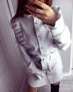 Sukienka Yasmin Boutique mini z długim rękawem w stylu casual