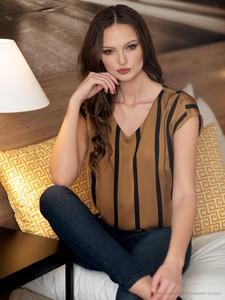 Pomarańczowa bluzka POTIS & VERSO w stylu casual z krótkim rękawem z tkaniny