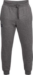 Spodnie sportowe Under Armour z dresówki w street stylu