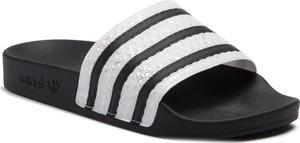 Klapki Adidas w stylu casual z płaską podeszwą