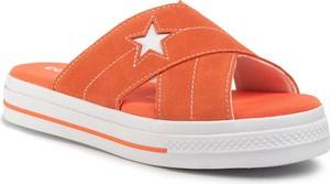 Pomarańczowe klapki Converse z płaską podeszwą w stylu casual