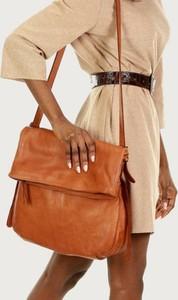 Brązowa torebka Merg ze skóry duża lakierowana