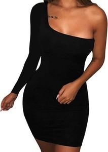 Czarna sukienka Kendallme asymetryczna z okrągłym dekoltem