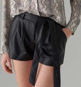 Czarne szorty Mohito w stylu casual ze skóry ekologicznej
