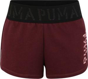 Czerwone szorty Puma w sportowym stylu