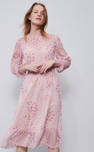 Różowa sukienka Reserved z długim rękawem w stylu boho midi