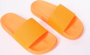 Pomarańczowe klapki Yoclub