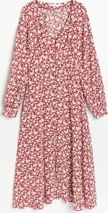 Sukienka Reserved z długim rękawem z dekoltem w kształcie litery v trapezowa