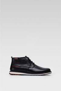 Czarne buty zimowe PIKOLINOS w sportowym stylu sznurowane