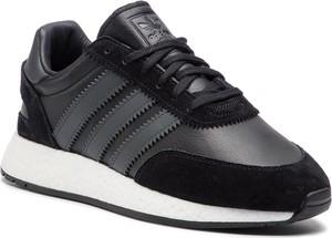 Czarne buty sportowe Adidas z zamszu sznurowane w sportowym stylu