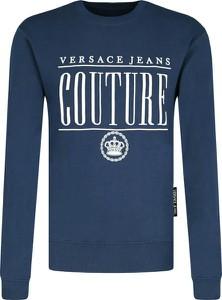 Niebieska bluza Versace Jeans w młodzieżowym stylu