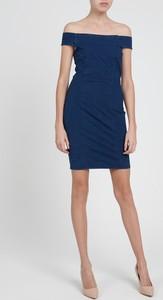 Niebieska sukienka Gate hiszpanka mini z krótkim rękawem