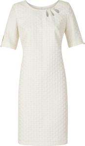 Sukienka Poza z krótkim rękawem z żakardu w stylu casual