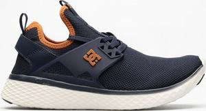 Buty sportowe DC Shoes sznurowane w sportowym stylu z zamszu