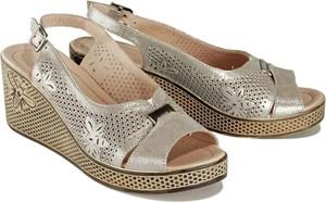 Złote sandały Lanqier w stylu boho ze skóry