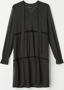 Czarna sukienka Mohito z długim rękawem w stylu casual