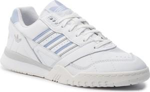 Buty sportowe Adidas z płaską podeszwą w sportowym stylu ze skóry ekologicznej