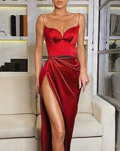 Sukienka Kendallme z dekoltem w kształcie litery v maxi asymetryczna