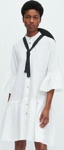 Sukienka Reserved z długim rękawem z tkaniny w stylu casual