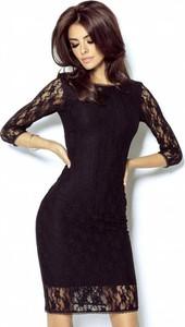Sukienka Ivon z okrągłym dekoltem dopasowana z długim rękawem