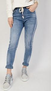 Niebieskie jeansy Olika z jeansu