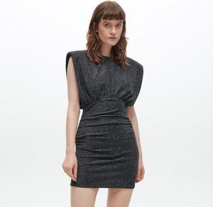 Czarna sukienka Reserved mini dopasowana